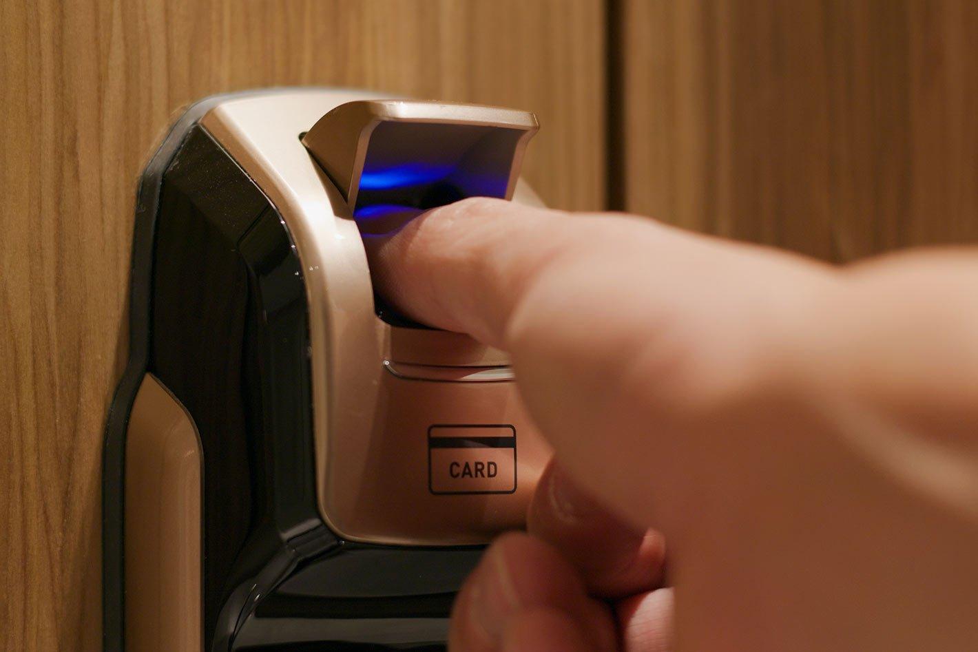 Candados-con-Acceso-Bluetooth-Seguridad-Electronica-COPS-Panama